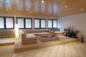 Wohnzimmer Ratgeber » Podest im Wohnzimmer selber bauen ...